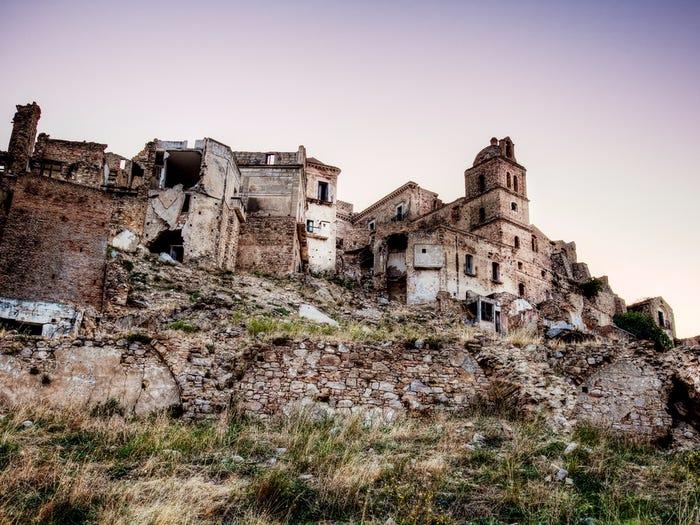 13 thị trấn ma lạnh lẽo và đáng sợ nhất thế giới - 1