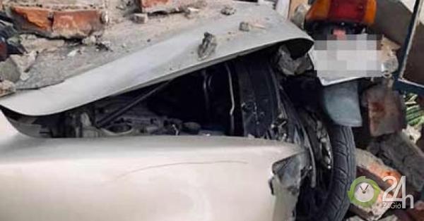 Ô tô gây tai nạn liên hoàn trên đường phố Hải Phòng, nhiều người nhập viện - Tin tức 24h