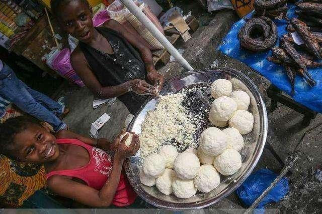 Hốt hoảng trước những thực phẩm nhìn thôi đã thấy sợ ở chợ châu Phi - 5