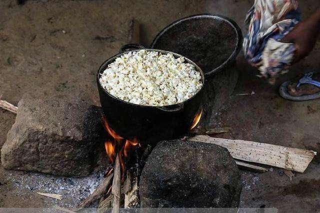 Hốt hoảng trước những thực phẩm nhìn thôi đã thấy sợ ở chợ châu Phi - 11