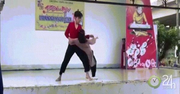 Màn nhảy táo bạo của nữ sinh mừng ngày Nhà giáo VN gây bão
