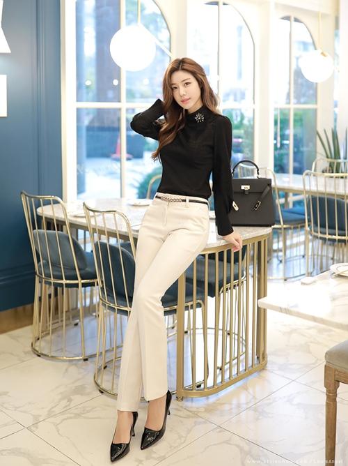 Công thức mix quần trắng hoàn hảo cho nữ công sở - 5