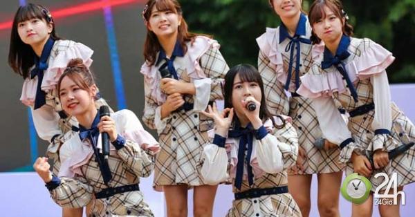 Nhóm thánh nữ Nhật Bản hút mọi chú ý khi trở lại Việt Nam