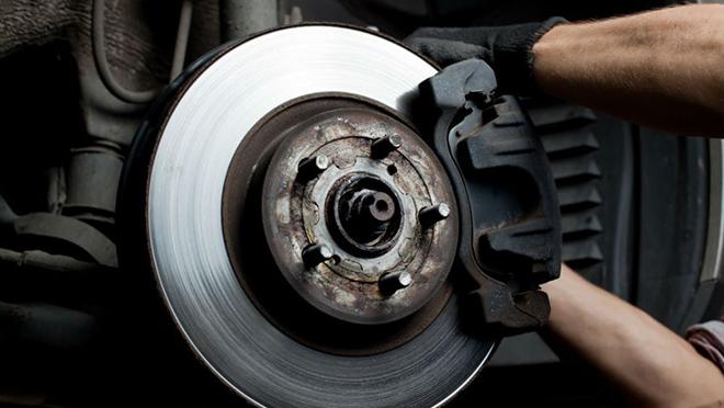 6 cách kiểm tra hệ thống phanh trên xe ô tô hoạt động an toàn - 2