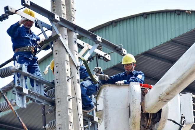 Nguy cơ thiếu điện nghiêm trọng: Tiết kiệm hay tăng giá? - 1