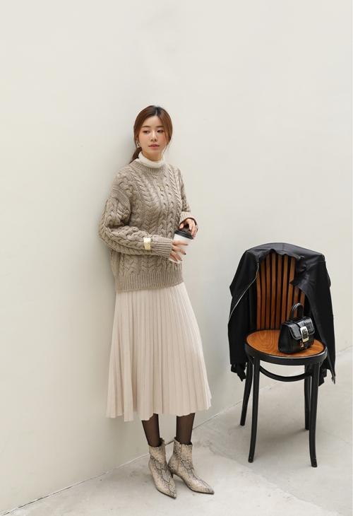 5 mẫu chân váy công sở hợp diện ngày lạnh - 12