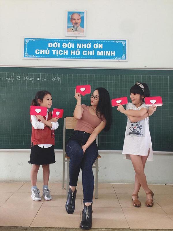 """Ngẩn ngơ ngắm nhan sắc 5 cô giáo """"xinh nhất Việt Nam"""" - 2"""