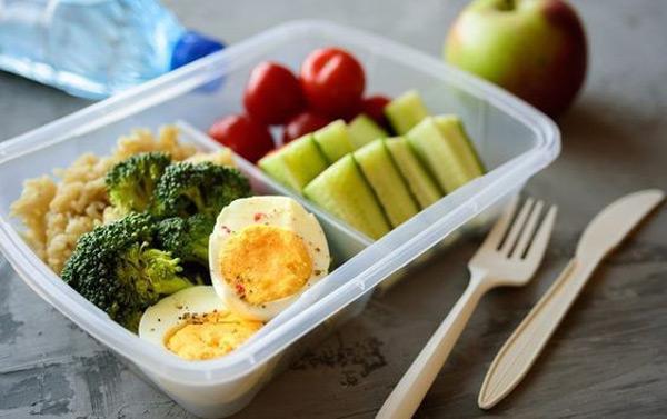Nên ăn hay để đói khi tập gym giảm cân? Gợi ý chế độ ăn hợp lý - 2