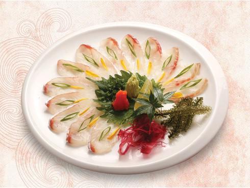 Điều gì tạo nên sức hút 8000 du khách mỗi ngày tại Fukuoka chợ cá lớn nhất Nhật Bản - 4