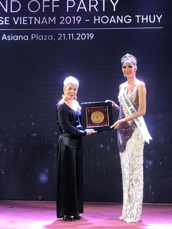 Nghệ nhân Prima Art – người thổi hồn vào món quà tặng quốc gia cho Miss Universe 2019 - 2