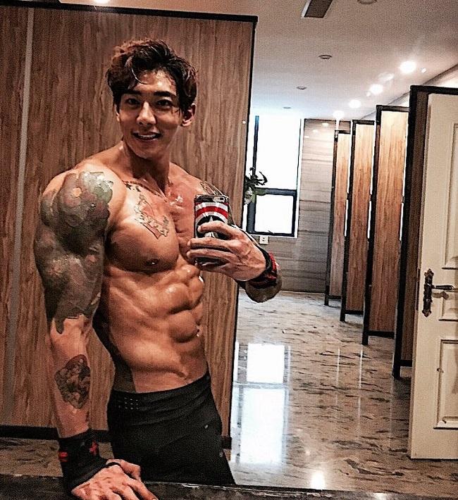 Hướng dẫn đàn ông 5 nguyên tắc ăn, tập tăng cơ bắp - 1