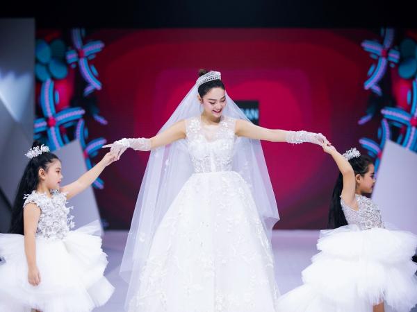 Gợi ý diện váy cưới xuyên thấu đẹp như Minh Hằng - 1