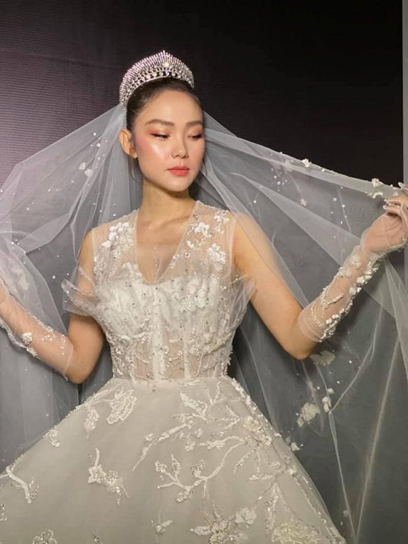 Gợi ý diện váy cưới xuyên thấu đẹp như Minh Hằng - 3