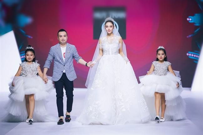 Gợi ý diện váy cưới xuyên thấu đẹp như Minh Hằng - 2