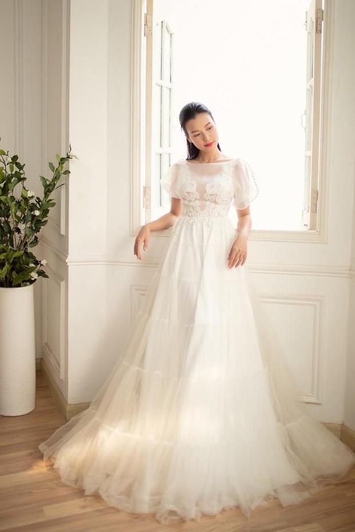 Gợi ý diện váy cưới xuyên thấu đẹp như Minh Hằng - 4