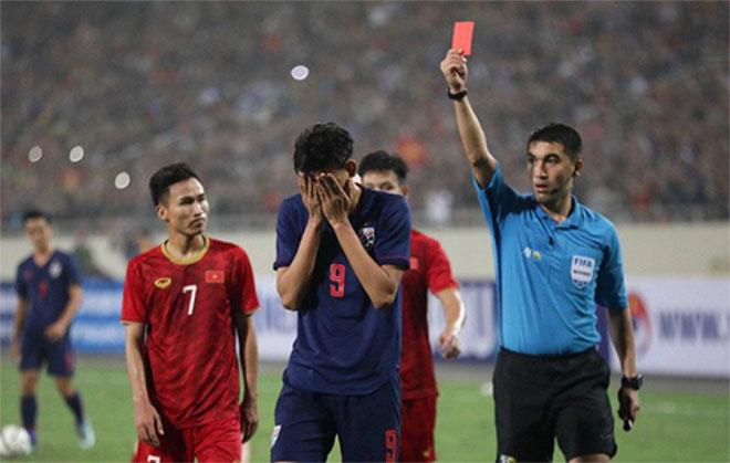 Tiền đạo U23 Thái Lan đấm Đình Trọng thoát án phạt: Chuyện thật như đùa