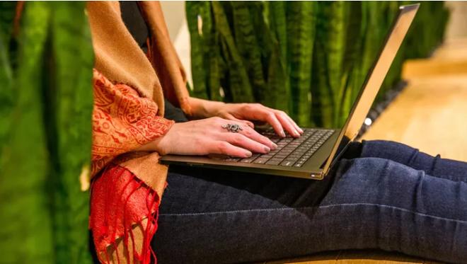 Những chiếc laptop lý tưởng thay thế MacBook Pro 2019, giá rẻ hơn nhiều - 3