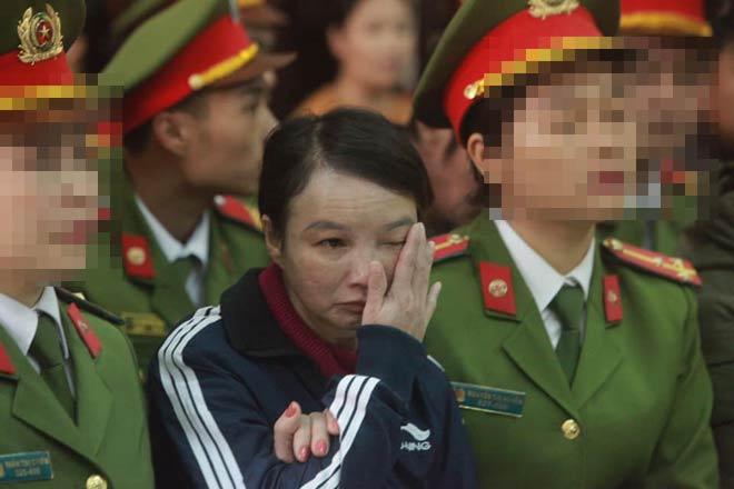 Mẹ nữ sinh ship gà giáp mặt những kẻ sát hại con gái tại tòa - 4