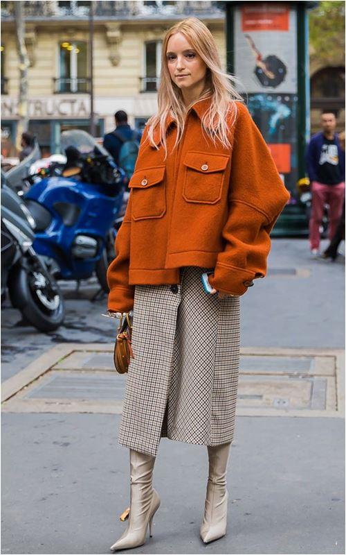 3 cách để trời lạnh co ro vẫn tự tin mặc váy điệu đà