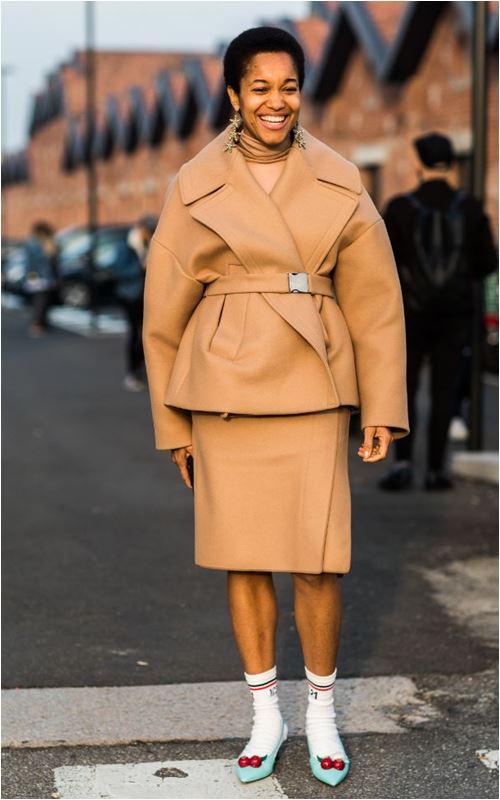 3 cách để trời lạnh co ro vẫn tự tin mặc váy điệu đà - 3