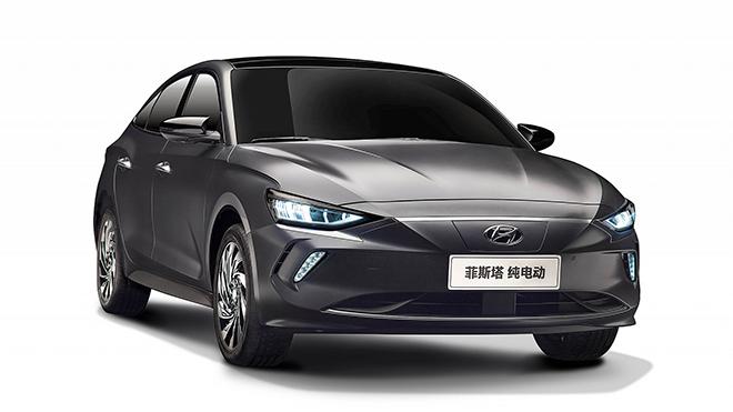 Hyundai Elantra EV chạy điện di chuyển 490km không cần sạc