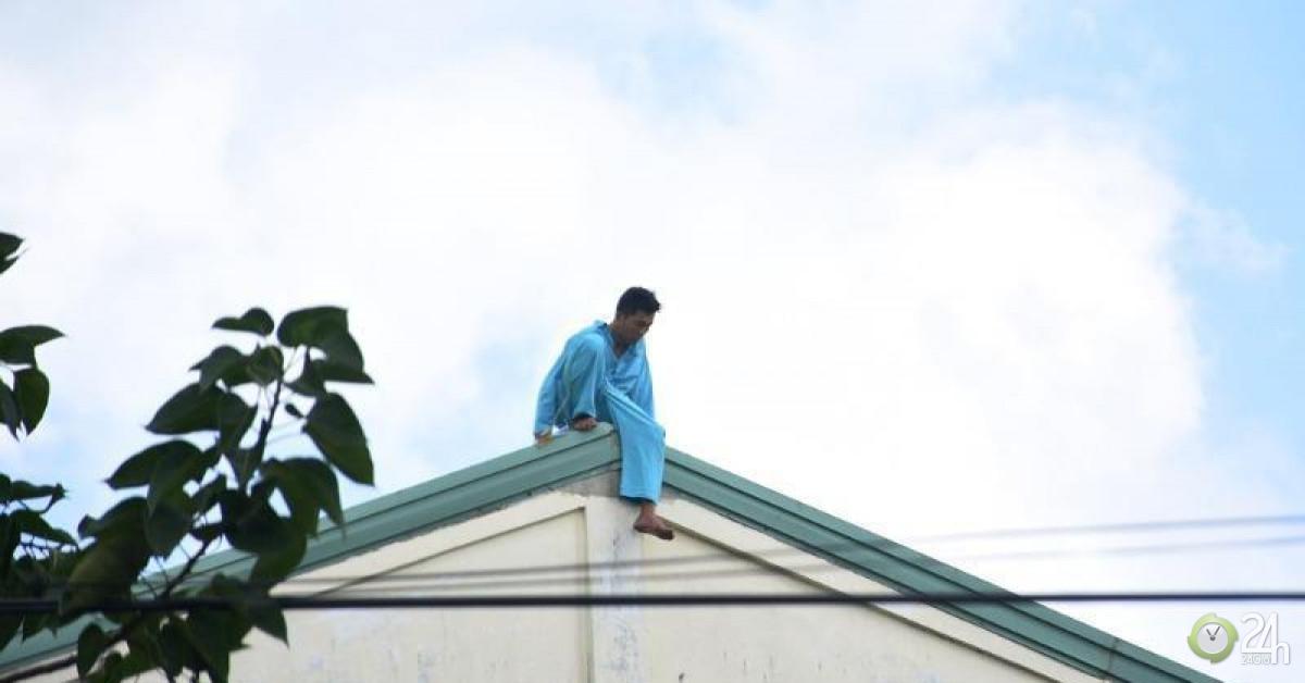 Người tự cắt của quý ở Đà Nẵng lại leo nóc bệnh viện la hét
