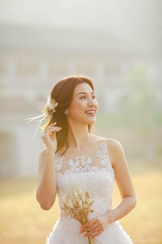 Hoàng Oanh tung ảnh cưới lãng mạn bên chồng Tây - 3