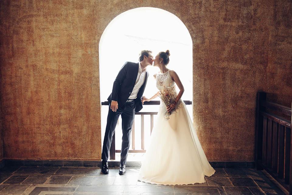 Hoàng Oanh tung ảnh cưới lãng mạn bên chồng Tây - 9