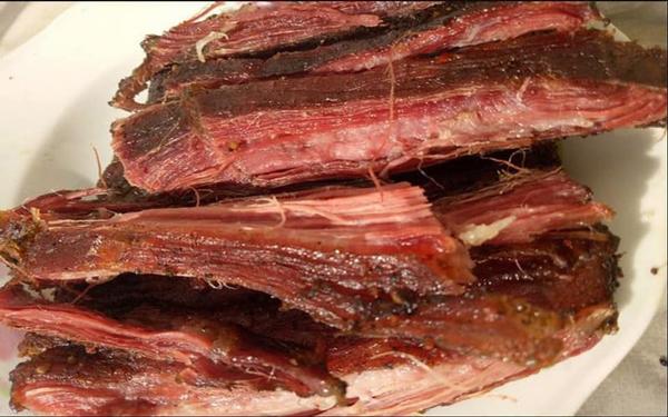 Thịt lợn gác bếp giá rẻ, chất lượng thực sự như thế nào? - 1