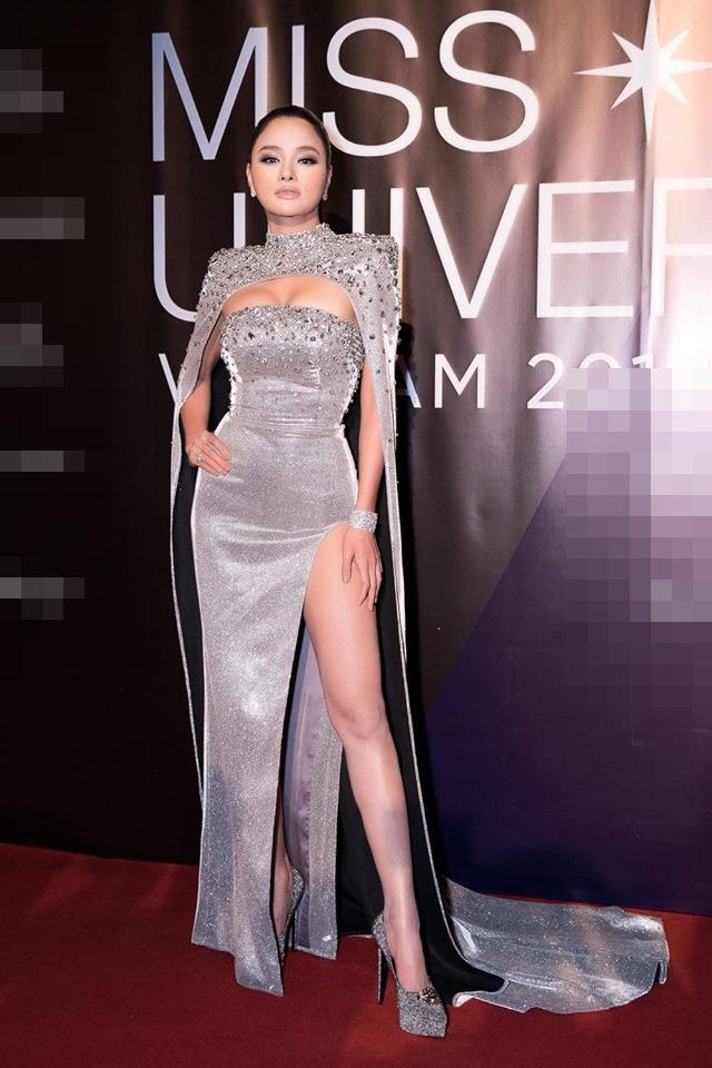 Giám khảo lên tiếng sự cố tụt trang phục trực tiếp tại bán kết Miss Universe VN - 4