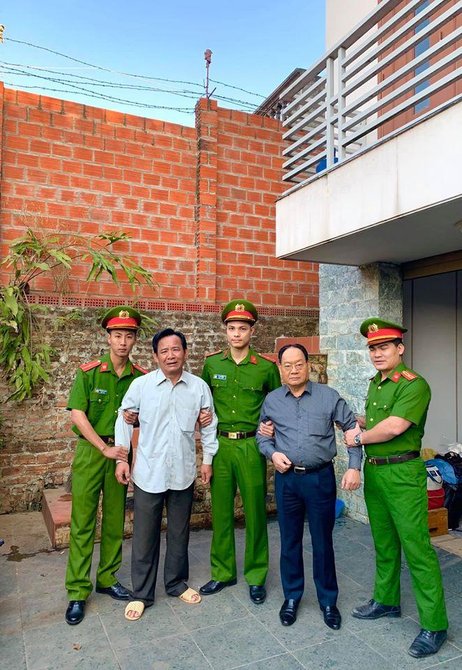"""Ảnh Quang Tèo bị công an bắt khẩn cấp khiến dân mạng """"ngã ngửa"""" - 1"""