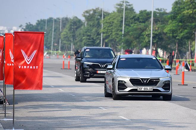 Vinfast có thêm chính sách sách ưu đãi cho khách hàng mua xe Lux trong tháng 12 - 1