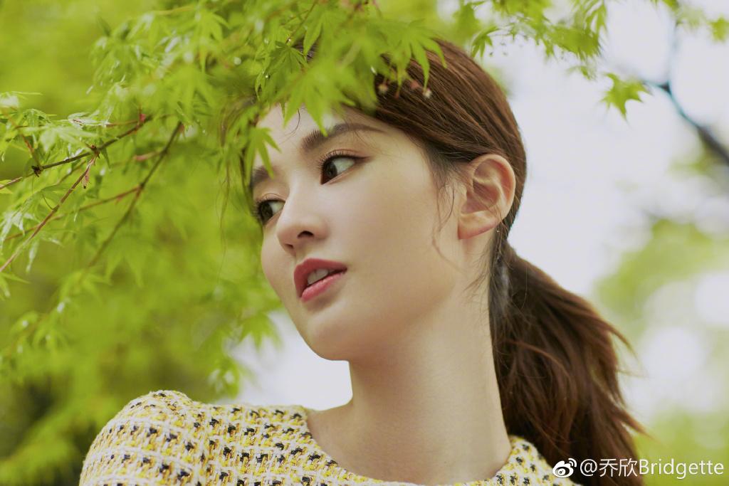 """""""Công chúa 9X Thượng Hải"""" giàu nhất showbiz Trung Quốc đẹp bởi kiểu """"con nhà tỷ phú"""" - 7"""