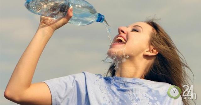 Điều gì xảy ra khi chúng ta uống nhiều nước?-Sức khỏe đời sống