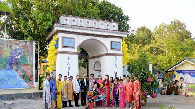 Nữ đại gia mua biệt thự 10.000m2 để tổ chức đám cưới với MC Thanh Bạch giàu cỡ nào? - 4