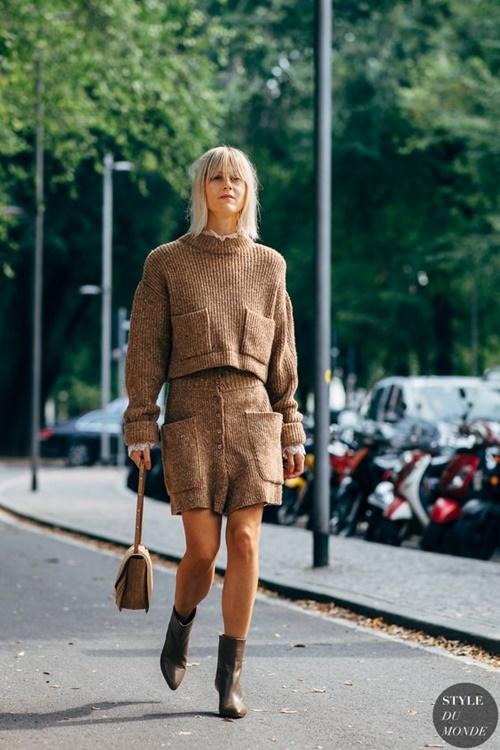 Đã bao mùa đông qua, bạn đã biết cách mặc len chồng len sang tuyệt đối? - 2