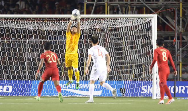 Trực tiếp bóng đá chung kết SEA Games U22 Việt Nam - U22 Indonesia: Đối thủ bất lực tìm bàn danh dự (Hết giờ) - 9