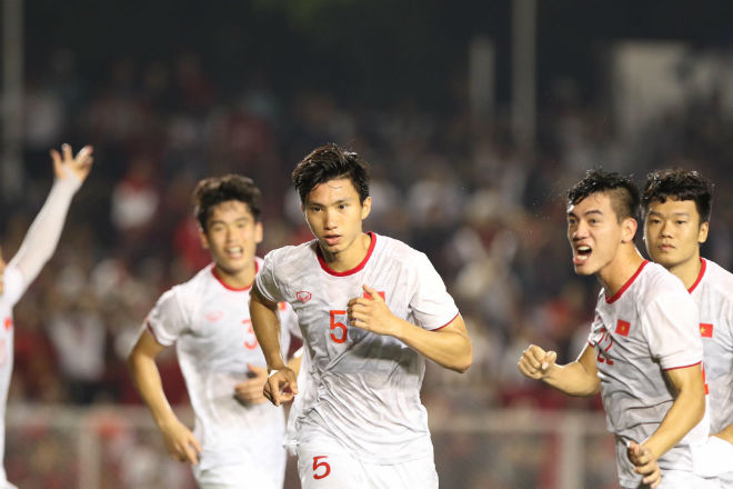 Trực tiếp bóng đá chung kết SEA Games U22 Việt Nam - U22 Indonesia: Đối thủ bất lực tìm bàn danh dự (Hết giờ) - 17