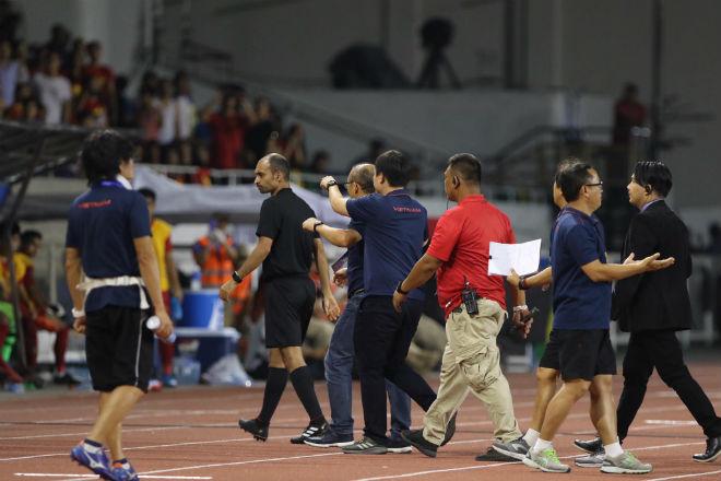 Trực tiếp bóng đá chung kết SEA Games U22 Việt Nam - U22 Indonesia: Đối thủ bất lực tìm bàn danh dự (Hết giờ) - 28