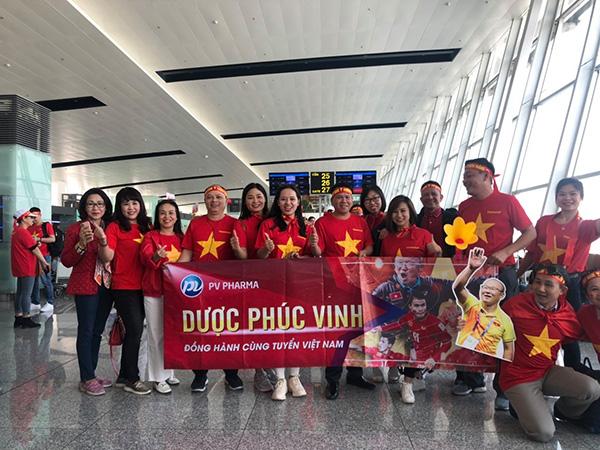 """""""Chịu chơi"""" như Dược Phúc Vinh: thưởng cho nhân viên bay Philippines cổ vũ Việt Nam vô địch Seagames 30 - 1"""