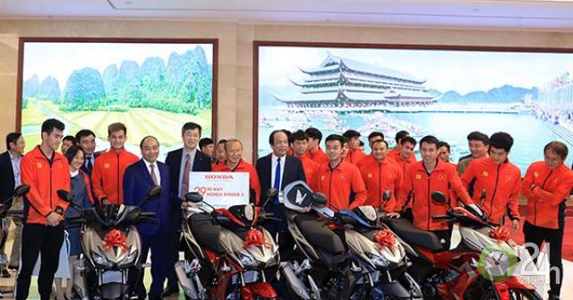 Honda Việt Nam tặng thưởng Đội tuyển Quốc gia Nữ Việt Nam và Đội tuyển U-22 Việt Nam tại Seagames 30