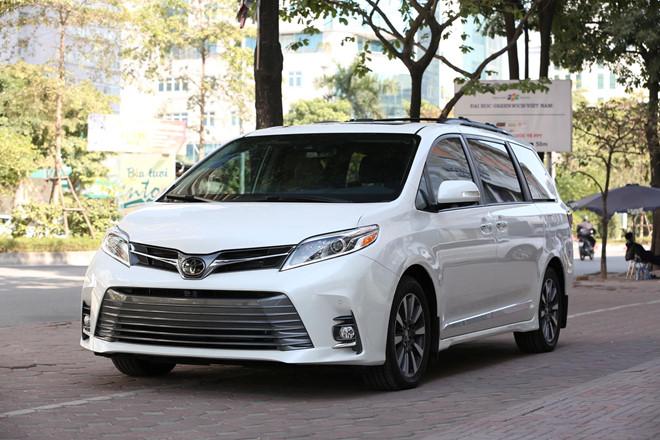 Toyota Sienna Limited 2019 cập bến Việt Nam, giá bán 4,5 tỷ đồng