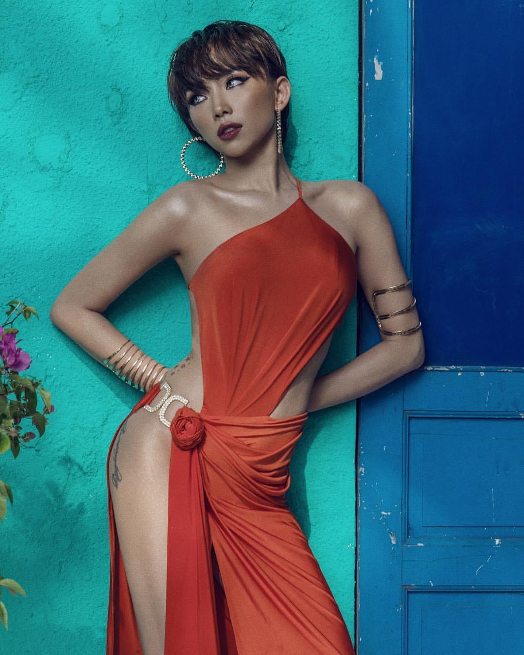 Tóc Tiên đón đầu nhiều xu hướng thời trang hiểm hóc nhất 2019 - 8