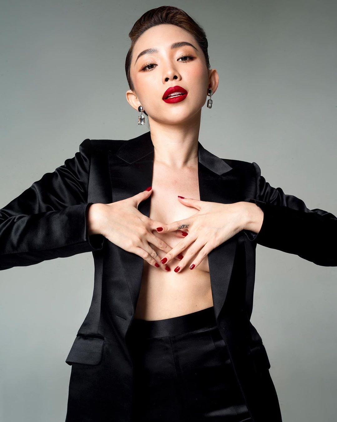 Tóc Tiên đón đầu nhiều xu hướng thời trang hiểm hóc nhất 2019 - 9