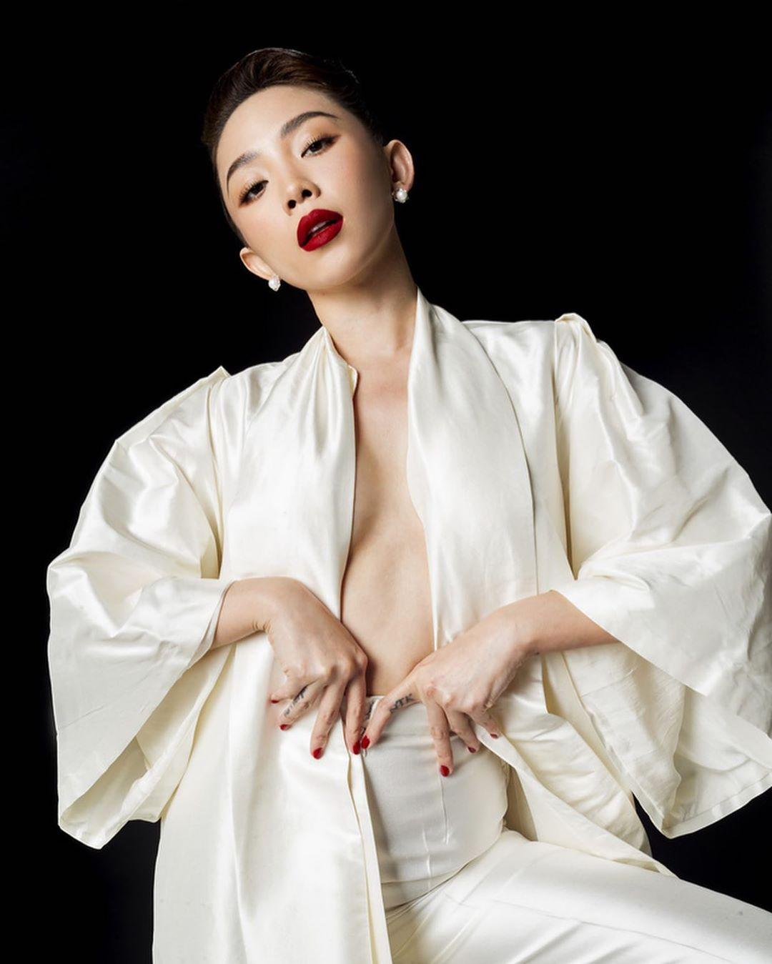 Tóc Tiên đón đầu nhiều xu hướng thời trang hiểm hóc nhất 2019 - 10