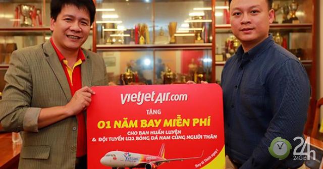 2 đội bóng đá vô địch SEAGAMES 30 nhận quà bay 1 năm miễn phí cùng Vietjet