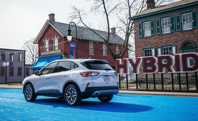 Ford Escape thế hệ mới sẽ có thêm biến thể động cơ lai Hybrid - 2
