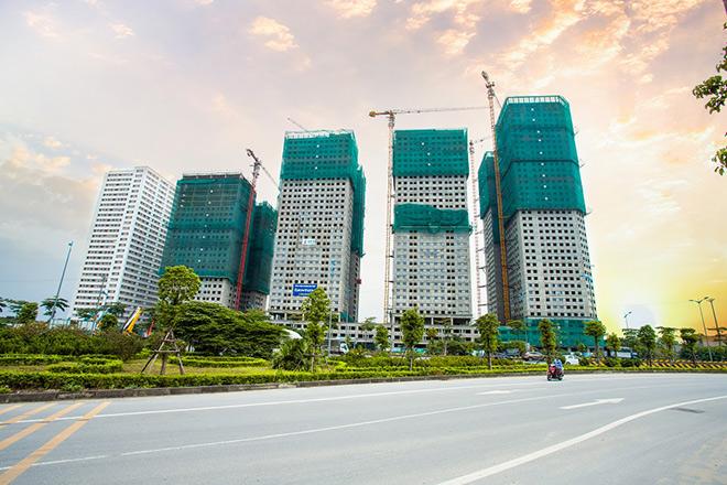 """Hà Nội: Giá chung cư cao vượt sức chịu đựng, """"mỏi mắt"""" tìm căn hộ hợp túi tiền - 1"""