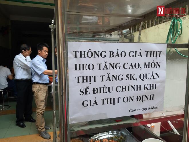 """Thịt heo tăng giá, dịch vụ ăn uống """"té nước theo mưa"""" - 2"""