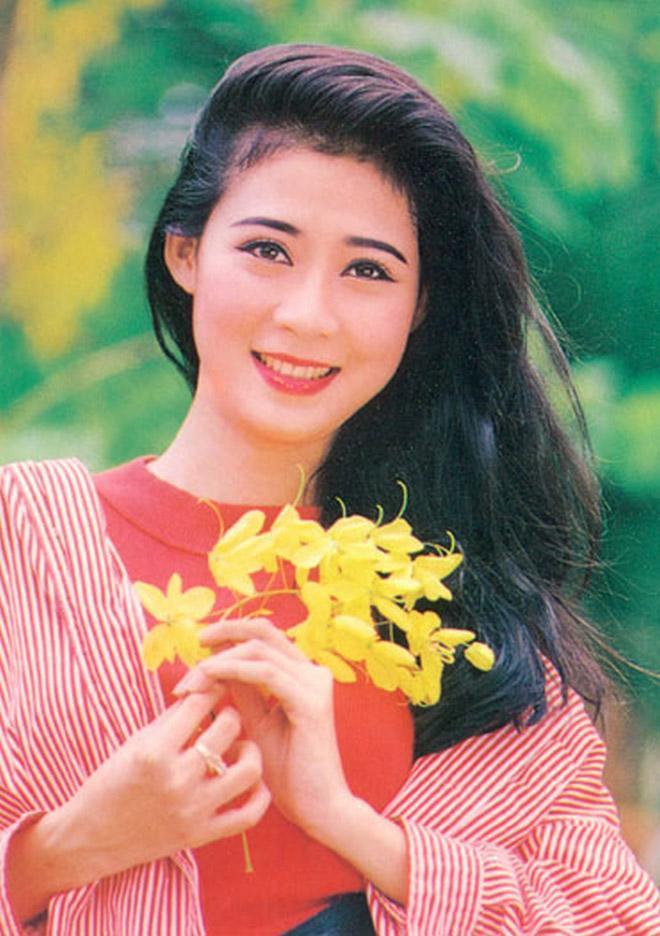 Diễm Hương khoe nét đẹp thanh xuân tuổi U50 - 6